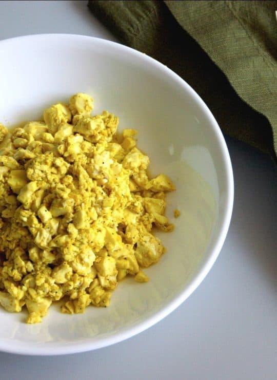 """Easy Scrambled Tofu """"Eggs"""""""